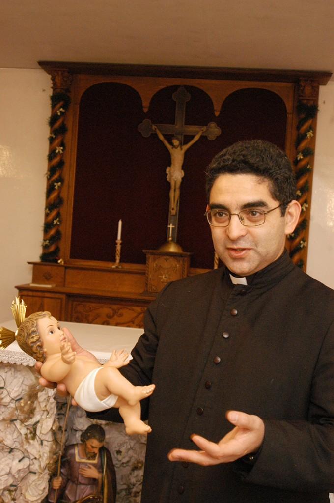 Католики_12_отец Дионисий_католическое рождество 24 12 2004