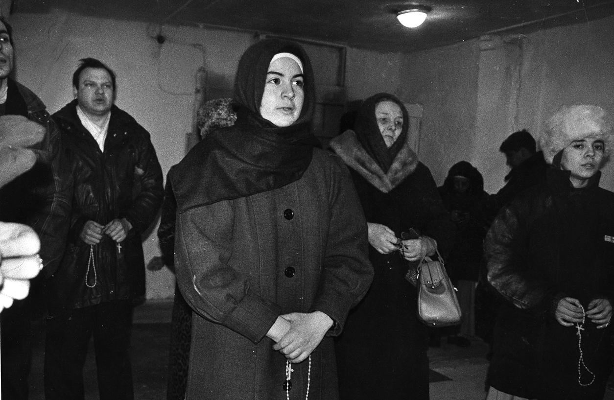 Владимир Муту, сестра Лагримас, пани Тереза, сестра Мария Цель